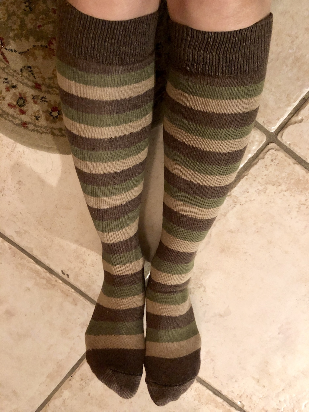 Fun with Chrissy's Socks: Just in time for Halloween! 1